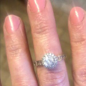 Jewelry - Silver & CZ Ring Size 7